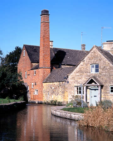cotswold: The Old Mill on the River Eye, Lower Slaughter, Gloucestershire, Cotswolds, England, UK, Western Europe