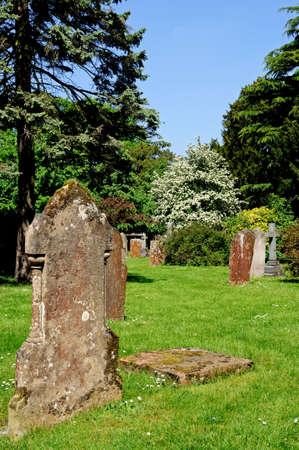 churchyard: Gravestones in the grounds of Holy Trinity Church, Stratford-Upon-Avon, Warwickshire, England, United Kingdom, Western Europe
