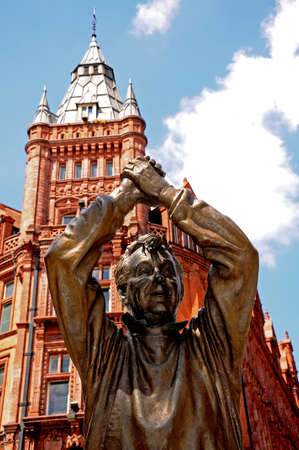 king street: Statue of Brian Clough outside the Old Prudential Building, King Street, Nottingham, Nottinghamshire, England, UK, Western Europe.