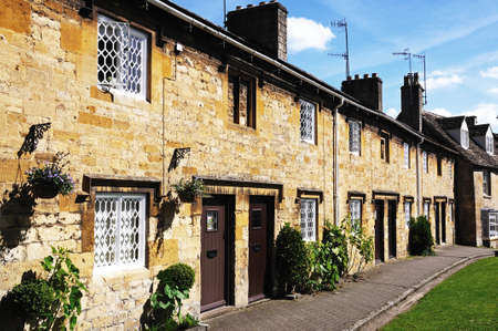 gloucestershire: Row of cottages along High Street, Chipping Campden, The Cotswolds, Gloucestershire, England, UK, Western Europe.