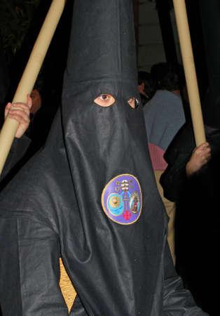 fraternit�: S�ville, Espagne - Arpil 7, 2009 - Les membres de La Bofeta fraternit� marche � travers les rues de la ville au cours de la nuit de Santa Semama, S�ville, Province de S�ville, Andalousie, Espagne, Europe de l'Ouest. �ditoriale