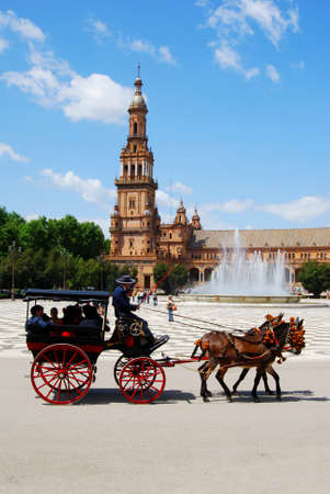 horse drawn carriage: Seville, Spain - April 12, 2008 - Horse drawn carriage in the Plaza de Espana, Seville, Seville Province, Andalusia, Spain, Western Europe. Editorial