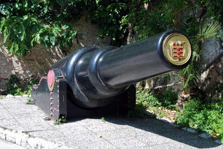 tonne: View of the 30 tonne gun, Gibraltar, United Kingdom, Western Europe.