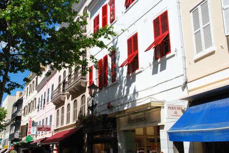 main street: Negozio edifici lungo Main Street, Gibilterra, Regno Unito, Europa occidentale.