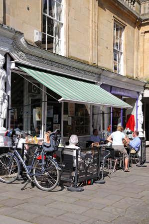alfresco: Pavement cafe along Montpellier Walk, Cheltenham, Gloucestershire, England, UK, Western Europe.