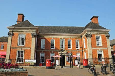 oficina antigua: Chetwynd House (antigua oficina de correos) y el hogar del dramaturgo Richard Brinsley Sheridan (MP), Stafford, Staffordshire, Inglaterra, Reino Unido, Europa occidental.