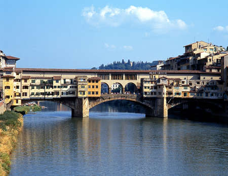 river arno: Ponte Vecchio and River Arno, Florence, Tuscany, Italy, Europe.