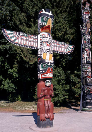 stanley: Colourful Totem pole in Stanley Park, Vancouver, British Columbia, Canada.