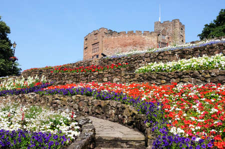 norman castle: View of the castle gardens with the Norman castle to the rear, Tamworth, Staffordshire, England, UK, Western Europe.
