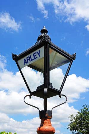 severn: Retro streetlight on the railway station platform, Severn Valley Railway, Arley, Worcestershire, England, UK, Western Europe.