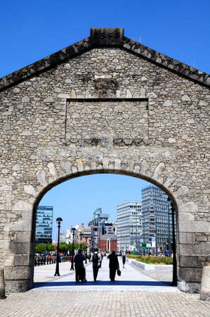 merseyside: Stone Gable and arch entrance to Salthouse Dock, Liverpool, Merseyside, England, UK, Western Europe. Editorial