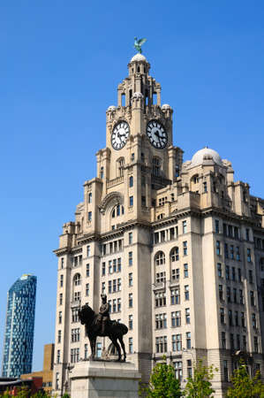 king edward: The Royal Liver Building at Pier Head with a statue of King Edward VII in the foreground, Liverpool, Merseyside, England, UK, Western Europe.