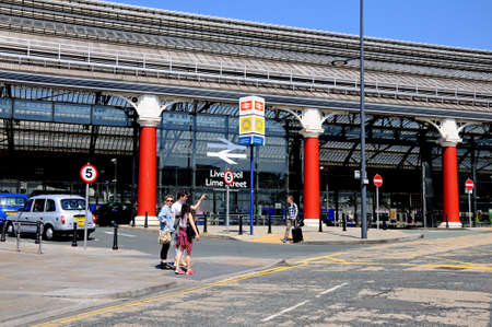merseyside: Vista laterale della stazione di Lime Street Stazione, Liverpool, Merseyside, Inghilterra, Regno Unito, Europa occidentale.