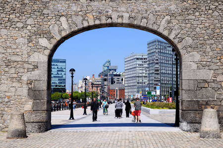merseyside: Stone Gable and arch entrance to Salthouse Dock, Liverpool, Merseyside, England, UK, Western Europe. Editoriali