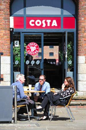 britannia: Pavement cafe outside the Britannia Pavilion at Albert Dock, Liverpool, Merseyside, England, UK, Western Europe. Editorial