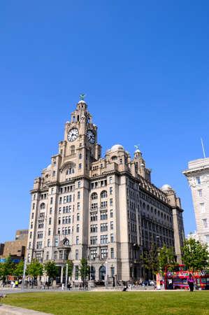 merseyside: Il Royal Liver Building a Pier Head, Liverpool, Merseyside, Inghilterra, Regno Unito, Europa occidentale.