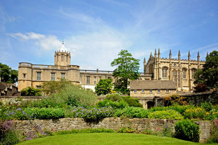 christ church: View of Christ Church college and Cathedral seen from the memorial gardens, Oxford, Oxfordshire, England, UK, Western Europe. Stock Photo