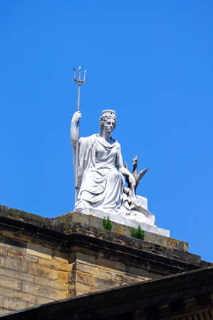 neoclassic: Statue of Britannia and a Liver Bird on top of the Walker Art Gallery, Liverpool, Merseyside, England, UK, Western Europe. Stock Photo