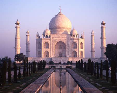 uttar pradesh: View of the Taj Mahal in the early morning light built by Mughal Emperor Shah Jahan in memory of his wife, Mumtaz Mahal, Agra, Uttar Pradesh, India.