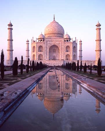 uttar pradesh: View of the Taj Mahal in the early evening light built by Mughal Emperor Shah Jahan in memory of his wife, Mumtaz Mahal, Agra, Uttar Pradesh, India. Editorial
