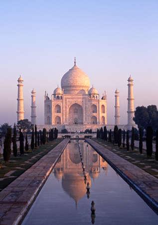 mumtaz: View of the Taj Mahal in the early morning light built by Mughal Emperor Shah Jahan in memory of his wife, Mumtaz Mahal, Agra, Uttar Pradesh, India.
