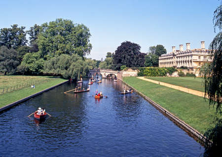 cambridgeshire: View of Kings College with Punts on the River Cam during the Summertime, Cambridge, Cambridgeshire, England, UK, Western Europe.