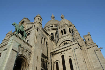 sacre coeur: Statue de Jeanne d'Arc est sacre coeur basilique à Paris Banque d'images