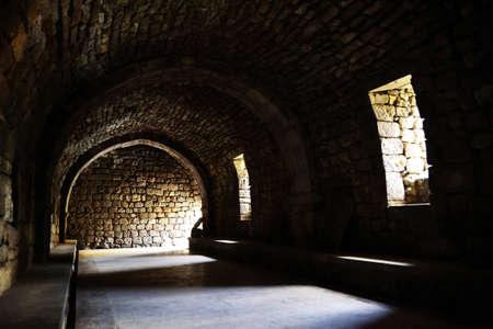 castillo medieval: Interior del castillo medieval