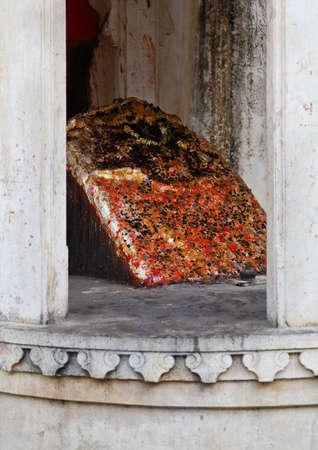 shivling: Vertical shot of a shivling for hindu worship inside the royal quarters at Kumbhalghar Fort Editorial