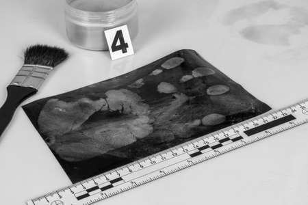 evidence: Disclosure of forensic evidence using fingerprint powders. Stock Photo