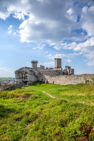ogrodzieniec: Ruins of great castle in Ogrodzieniec situated on natural rocks.