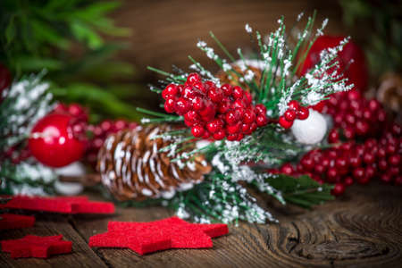 Christmas wooden background with cone and snow tree. Copy space. Banque d'images