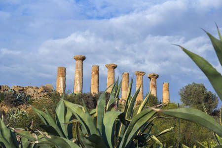 Temple of Hercules or Heracles. Valley of Temples Agrigento Imagens
