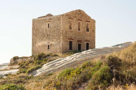 Abandoned house, Punta Bianca, Agrigento Imagens - 50297938