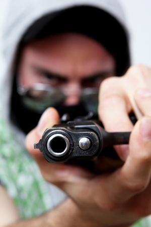 delincuencia: componente peligroso armado con una pandilla callejera