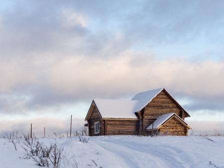 Ländlichen Landschaft Mit Einer Einsamen Holzhaus Photo