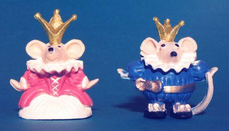 Dos ratas con coronas  Foto de archivo - 2220664