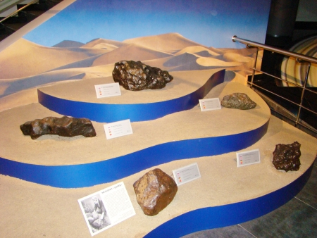 meteorites: meteorites of different sizes