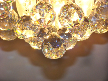 drop ceiling: Crystal chandelier with a lot of balls