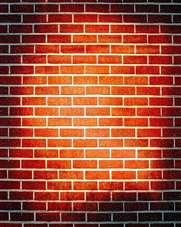 muro rotto: Grunge muro di mattoni con un po 'di danni e crepe