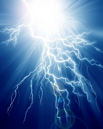rayo electrico: Intensa descarga el�ctrica sobre un fondo oscuro
