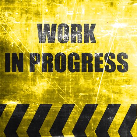 herramientas de trabajo: El trabajo en se�al de progreso con algunos colores vivos Foto de archivo