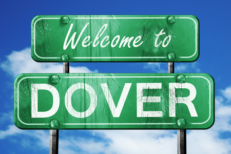 dover: Welcome to dover green road sign