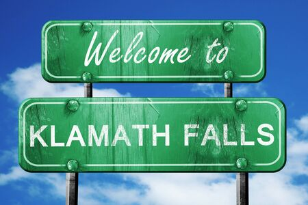 green road sign: Welcome to klamath falls green road sign Stock Photo