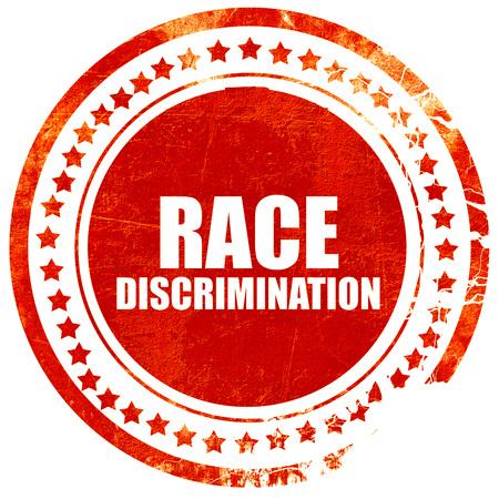 acoso laboral: la discriminaci�n racial, aislado sello rojo sobre un fondo blanco s�lido Foto de archivo