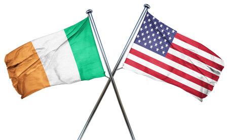 banderas america: La bandera de Irlanda combinó con la bandera americana Foto de archivo