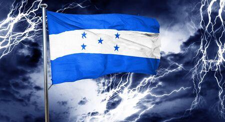 bandera honduras: bandera de Honduras, 3D, concepto de crisis nube de tormenta