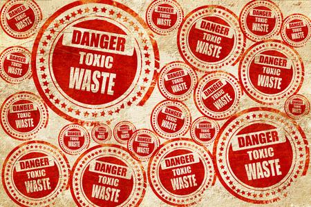 residuos toxicos: Muestra de los desechos t�xicos con unas l�neas suaves, sello rojo en una textura de papel de grunge