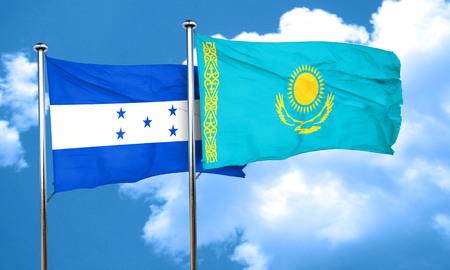 bandera honduras: bandera de Honduras con la bandera de Kazajstán, 3D