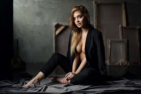 Mooi jong vrouwelijk model Stockfoto